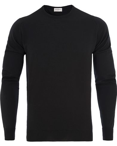 John Smedley Marcus Easy Fit Fine Merino C-Neck Pullover Black i gruppen Gensere / Pullover / Pullovere rund hals hos Care of Carl (13143511r)
