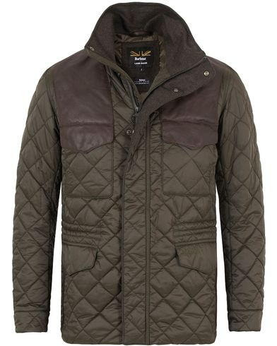 Barbour for Land Rover Esmissary Quilted Jacket Sage i gruppen Kläder / Jackor / Quiltade jackor hos Care of Carl (13147111r)