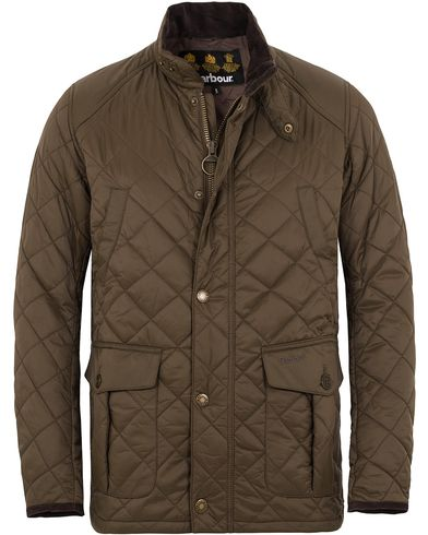 Barbour Lifestyle Tiller Quilted Jacket Olive i gruppen Jackor / Quiltade jackor hos Care of Carl (13147911r)