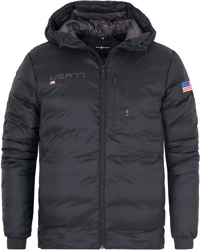 Sail Racing International Hood Jacket Carbon i gruppen Jakker / Vatterte jakker hos Care of Carl (13150611r)