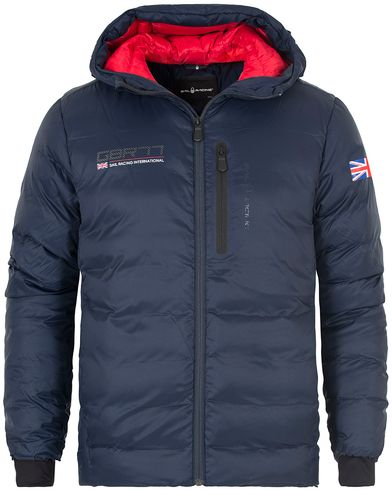 Sail Racing International Hood Jacket Navy i gruppen Klær / Jakker / Vatterte jakker hos Care of Carl (13150711r)
