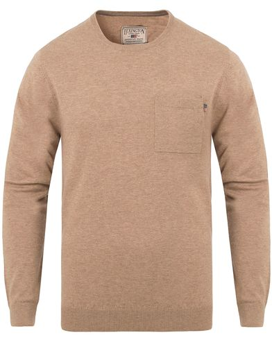 Lexington Jeff Crewneck Sweater Silver Mink Beige i gruppen Klær / Gensere / Strikkede gensere hos Care of Carl (13154411r)