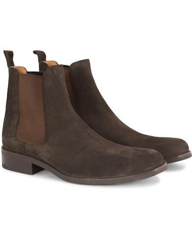 Morris Chelsea Suede Boots Dark Brown i gruppen Sko / Støvler / Chelsea boots hos Care of Carl (13158911r)