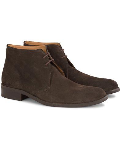 Morris Chukka Suede Boots Dark Brown i gruppen Sko / Støvler / Chukka boots hos Care of Carl (13159111r)