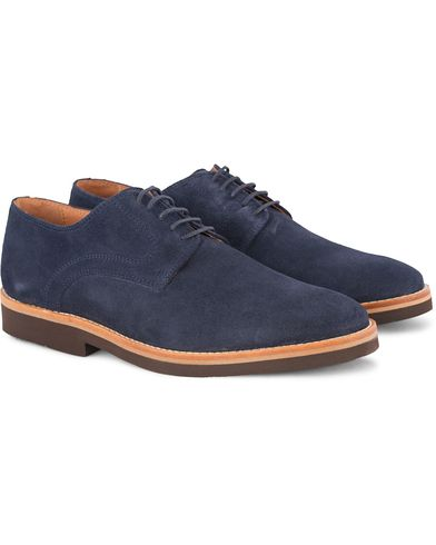 Morris Derby Suede Shoe Navy i gruppen Skor / Derbys hos Care of Carl (13159311r)