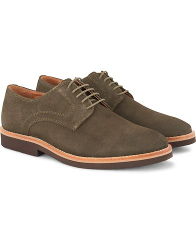 Morris Derby Suede Shoe Olive i gruppen Sko / Derbys hos Care of Carl (13159411r)