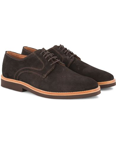 Morris Derby Suede Shoe Dark Brown i gruppen Sko / Derbys hos Care of Carl (13159511r)