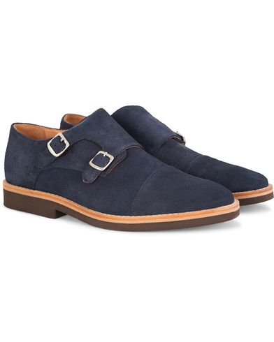 Morris Double Monk Suede Navy i gruppen Sko / Munkesko hos Care of Carl (13159611r)