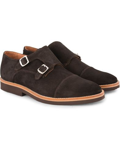 Morris Double Monk Suede Dark Brown i gruppen Sko / Munkesko hos Care of Carl (13159711r)