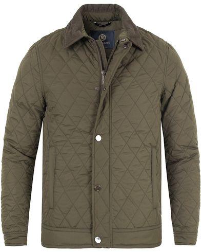 Henri Lloyd Inver Quilted Jacket Forest Green i gruppen Jakker / Quiltede jakker hos Care of Carl (13175011r)