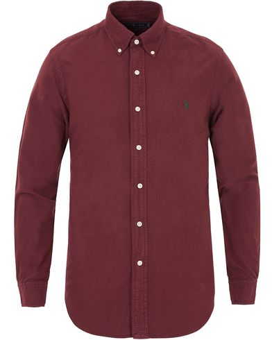 Polo Ralph Lauren Core Fit Garment Dyed Oxford Shirt Harward Wine Red i gruppen Skjorter / Oxfordskjorter hos Care of Carl (13196111r)