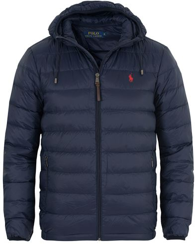 Polo Ralph Lauren Lightweight Down Jacket Aviator Navy i gruppen Jackor / Vadderade jackor hos Care of Carl (13201811r)