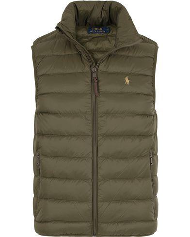 Polo Ralph Lauren Lighweight Vest Company Olive i gruppen Jakker / Yttervester hos Care of Carl (13202011r)