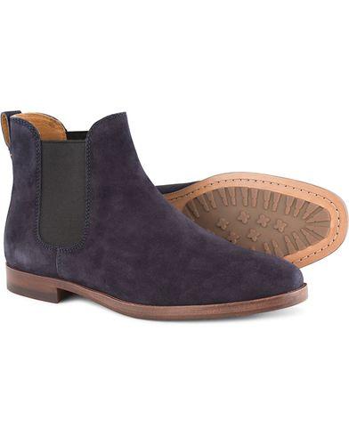 Polo Ralph Lauren Dillian 2 Chelsea Boot Navy Suede i gruppen Sko / Støvler / Chelsea boots hos Care of Carl (13214511r)