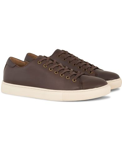 Polo Ralph Lauren Jermain Sneaker Dark Brown Leather i gruppen Sko / Sneakers / Sneakers med lavt skaft hos Care of Carl (13214711r)