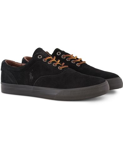 Polo Ralph Lauren Vaughn Sneaker Black Suede i gruppen Sko / Sneakers / Sneakers med lavt skaft hos Care of Carl (13215611r)