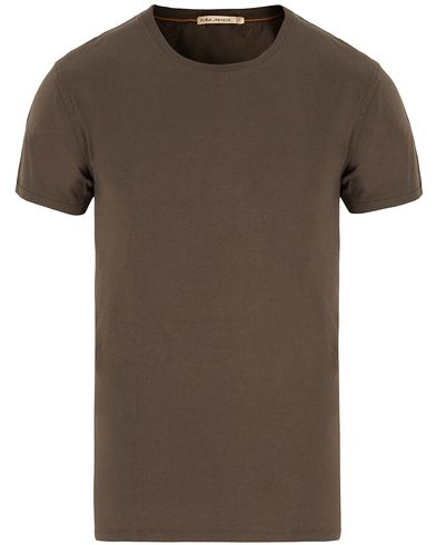 Nudie Jeans O-Neck Tee Bunker Green i gruppen Design A / T-Shirts / Kortermede t-shirts hos Care of Carl (13217211r)
