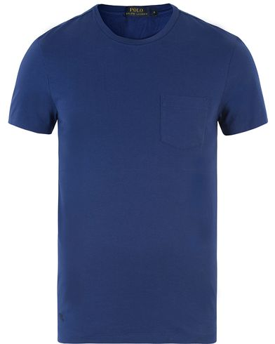 Polo Ralph Lauren Luxury Jersey Pocket Tee Fall Royal i gruppen T-Shirts hos Care of Carl (13221811r)