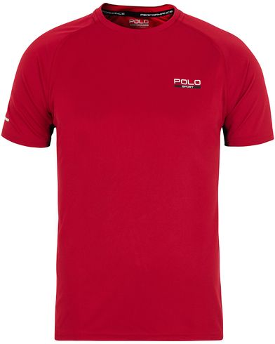 Polo Sport Ralph Lauren Performance Tee Old Glory Red i gruppen Klær / T-Shirts / Kortermede t-shirts hos Care of Carl (13225411r)