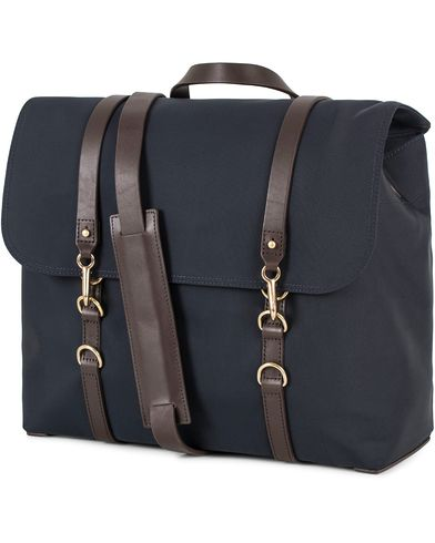 Mismo M/S Satchel Nylon Messenger Bag Navy/Dark Brown  i gruppen V�skor / Axelv�skor hos Care of Carl (13240310)