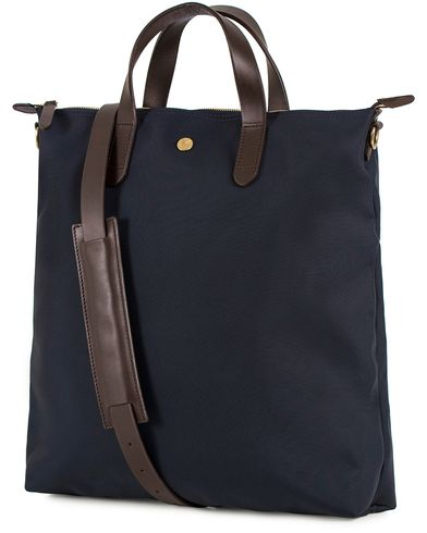 Mismo M/S Nylon Shopper Bag Navy/Dark Brown  i gruppen Accessoarer / Väskor / Totebags hos Care of Carl (13240510)
