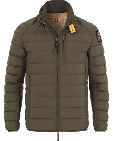 Parajumpers Ugo Lightweight Jacket Elmwood Green i gruppen Klær / Jakker / Tynne jakker hos Care of Carl (13245111r)