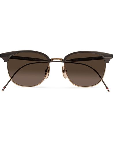 Thom Browne TB-104 Sunglasses Black Iron/12 Carat Gold  i gruppen Accessoarer / Solglasögon / D-formade solglasögon hos Care of Carl (13248810)