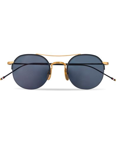 Thom Browne TB-903 Sunglasses 18 Carat Gold/Navy   i gruppen Solglasögon / Runda solglasögon hos Care of Carl (13248910)