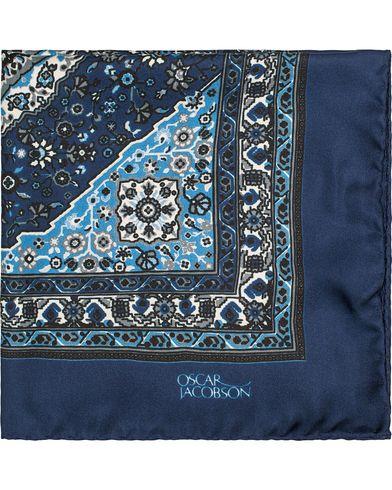 Oscar Jacobson Carpet Design Paisley Pocket Square Dark Blue  i gruppen Accessoarer / Näsdukar hos Care of Carl (13257510)