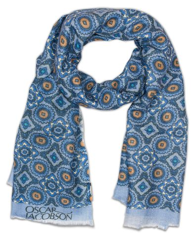 Oscar Jacobson Big Medalion Scarf Blue  i gruppen Assesoarer / Scarves hos Care of Carl (13259510)