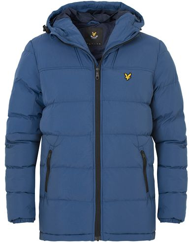 Lyle & Scott Puffer Hooded Jacket Blue Steave i gruppen Design A / Jakker / Vatterte jakker hos Care of Carl (13264311r)