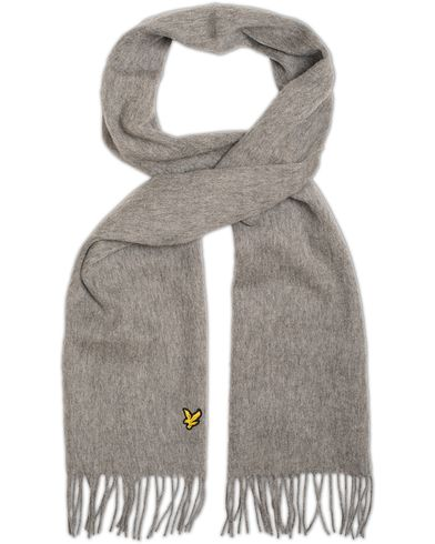 Lyle & Scott Plain Lambswool Scarf Mid Grey Marl  i gruppen Accessoarer / Halsdukar hos Care of Carl (13269010)
