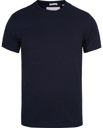 Lyle & Scott London Collection Pima Cotton Tee Navy i gruppen T-Shirts / Kortermede t-shirts hos Care of Carl (13270311r)