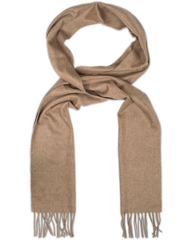 Johnstons of Elgin Cashmere Plain Scarf Camel  i gruppen Accessoarer / Halsdukar hos Care of Carl (13271210)