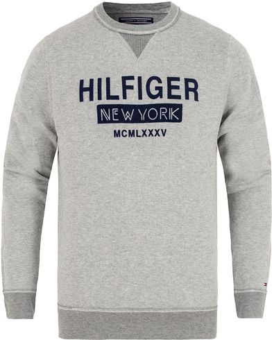 Tommy Hilfiger O´Connor Crew Sweater Cloud Heather i gruppen Tröjor / Stickade tröjor hos Care of Carl (13274711r)