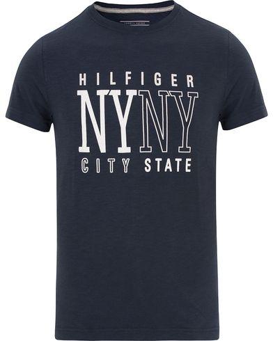 Tommy Hilfiger Austin Tee Navy Blazer i gruppen T-Shirts / Kortärmade t-shirts hos Care of Carl (13278911r)