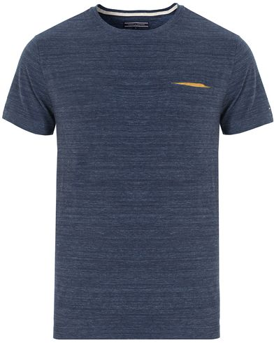 Tommy Hilfiger Felix Pocket Tee Navy Blazer Heather i gruppen T-Shirts / Kortärmade t-shirts hos Care of Carl (13279211r)
