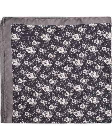 Eton Flower Silk Pocket Square Black  i gruppen Assesoarer / Lommetørklær hos Care of Carl (13285910)