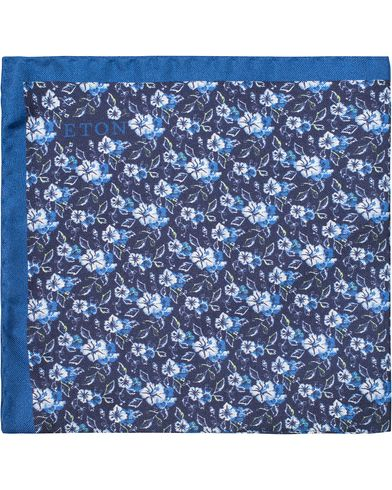 Eton Flower Silk Pocket Square Blue  i gruppen Assesoarer / Lommet�rkl�r hos Care of Carl (13286010)