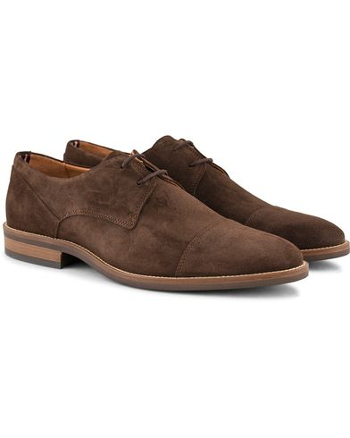 Tommy Hilfiger Dallen Derby Coffe Bean Suede i gruppen Skor / Derbys hos Care of Carl (13303711r)