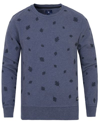Gant All Over Woven Leaf Sweat Persian Blue i gruppen Tröjor / Sweatshirts hos Care of Carl (13315811r)