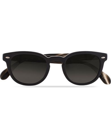 Oliver Peoples Sheldrake Sunglasses Matte Black/Midnight  i gruppen Solglasögon / Runda solglasögon hos Care of Carl (13336010)