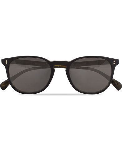 Oliver Peoples Finley ESQ Sunglasses Matte Black/Moss Tortoise  i gruppen Solglasögon / D-formade solglasögon hos Care of Carl (13336710)
