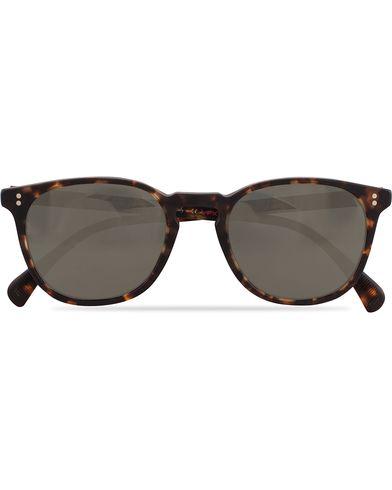 Oliver Peoples Finley ESQ Sunglasses Matte Tortoise/Goldtone  i gruppen Accessoarer hos Care of Carl (13336810)