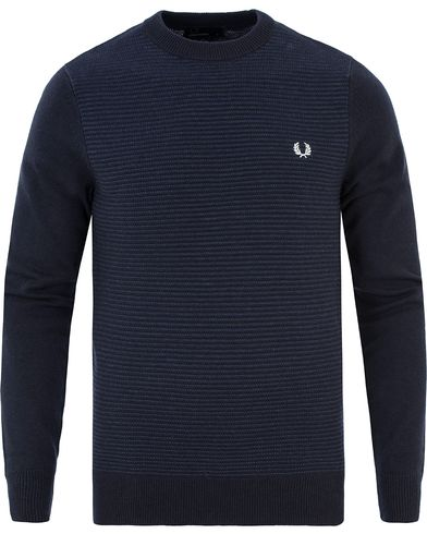 Fred Perry Texture Striped Merino/Cotton Crew Neck Navy i gruppen Tröjor / Stickade tröjor hos Care of Carl (13339311r)