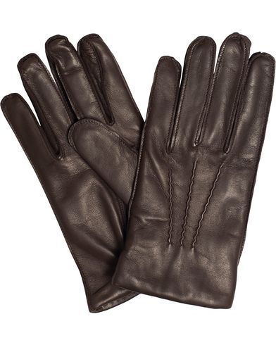 Ralph Lauren Purple Label Classic Glove With Elasticized Wrist Brown Nappa i gruppen Sesongens nøkkelplagg / Hanskene til spaserturen hos Care of Carl (13341111r)