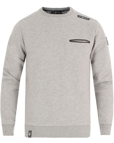 Sail Racing Race Tech Sweater Grey  i gruppen Tröjor / Sweatshirts hos Care of Carl (13343111r)