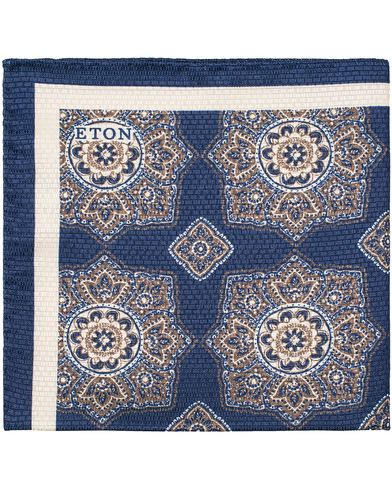 Eton Medallion Print Silk Pocket Square Blue  i gruppen Accessoarer / Näsdukar hos Care of Carl (13347010)