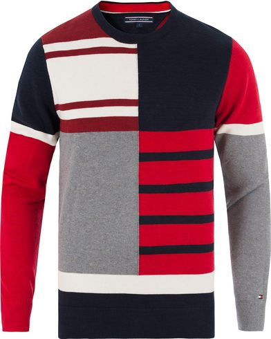 Tommy Hilfiger Lester Knitted Patch Crew Neck Midnight i gruppen Design A / Tröjor / Stickade tröjor hos Care of Carl (13450011r)