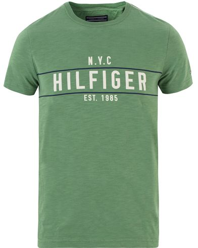 Tommy Hilfiger Kevin Crew Neck Tee Fairway Green i gruppen Kläder / T-Shirts / Kortärmade t-shirts hos Care of Carl (13450811r)